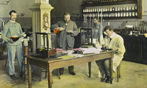 Research and development laboratory in the Maggi factory in Singen, Germany (approx. 1910)