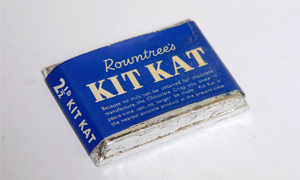 Plain chocolate Kit Kat, 1940s