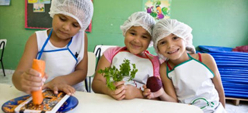 Children in Brazil learn about good nutrition